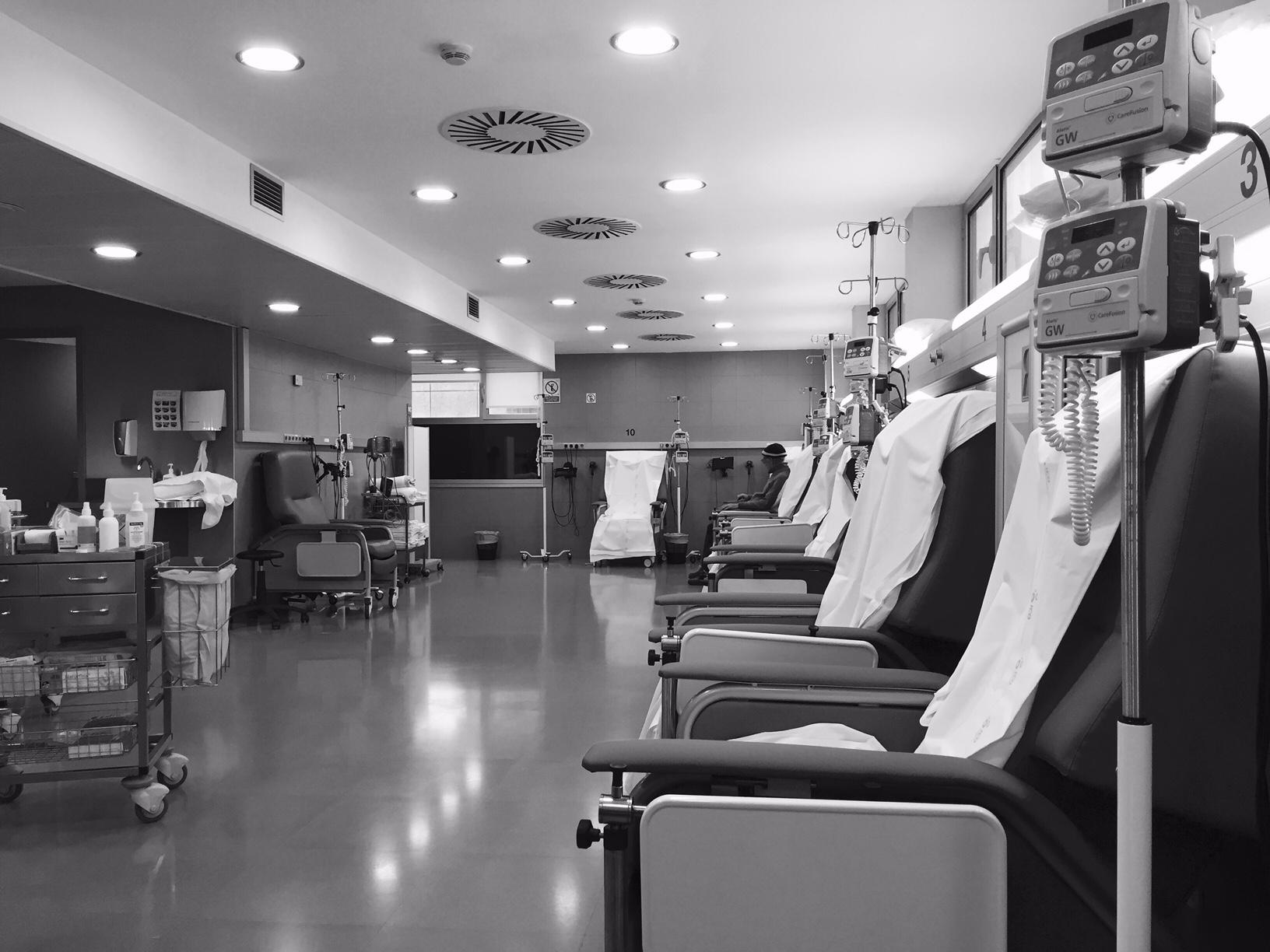 El c ncer no avisa a nadie el transcurrir en una sala for Sala quimioterapia requisitos